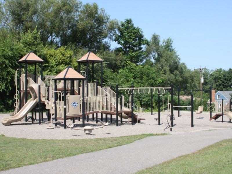 Alden Park, Edina